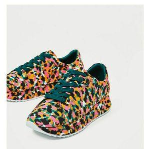 Size 8 zara sneaker